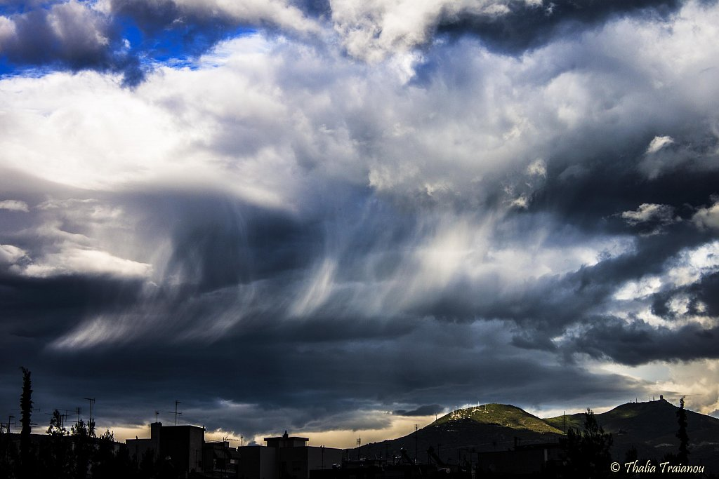 virga-clouds-small.jpg